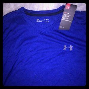Under Armour men's v neck shirt sleeve shirt sz XL